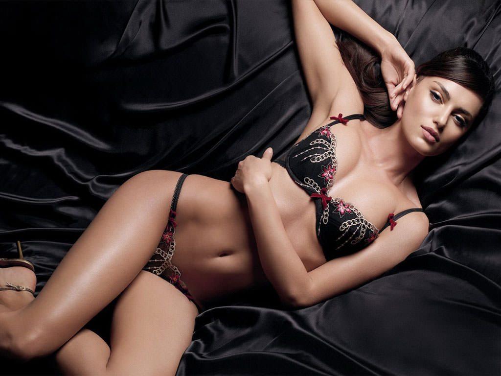 hot-girl-wallpaper3