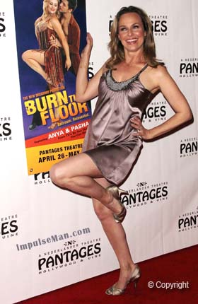 Melora-Hardin-kicking-sexy-leg-up-burn-the-floor