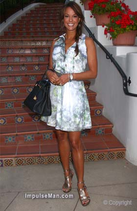 eva-la-rue-sexy-white-dress-silver-sandals
