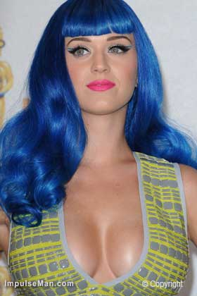 Katy-Perry-big-boobs-blue-hair