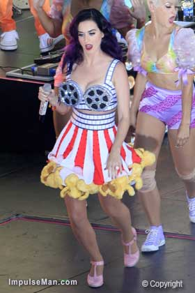 Katy-Perry-big-boobs-with-reels
